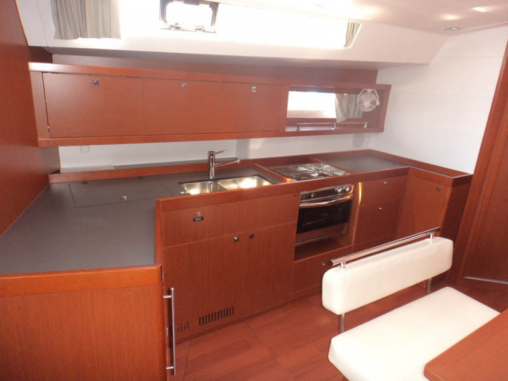 Rent a Bénéteau Oceanis 45 Greece