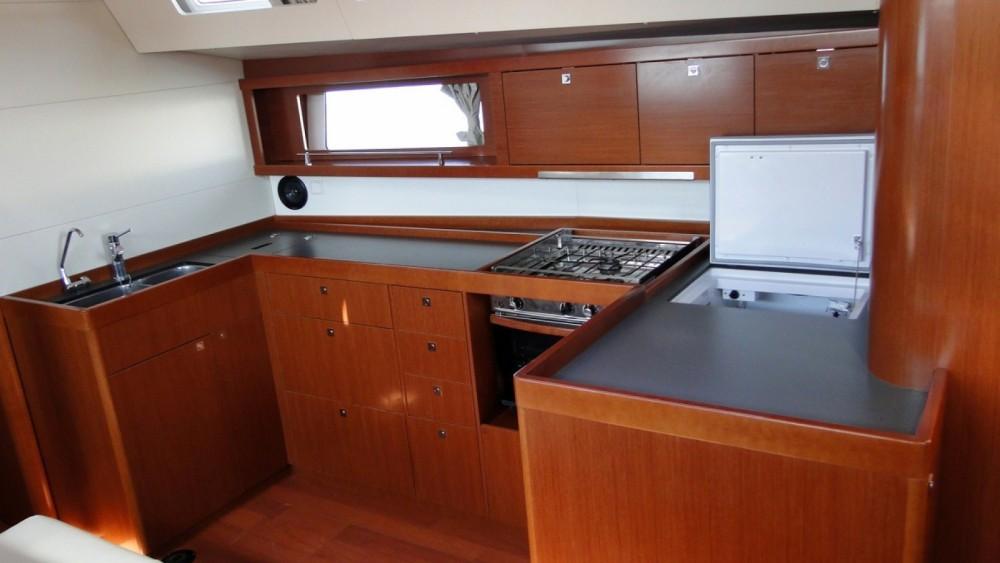 Location bateau Rhodes pas cher Oceanis 48