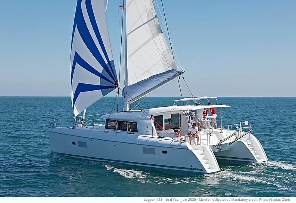 Location yacht à Παροικιά - Lagoon Lagoon 421 sur SamBoat