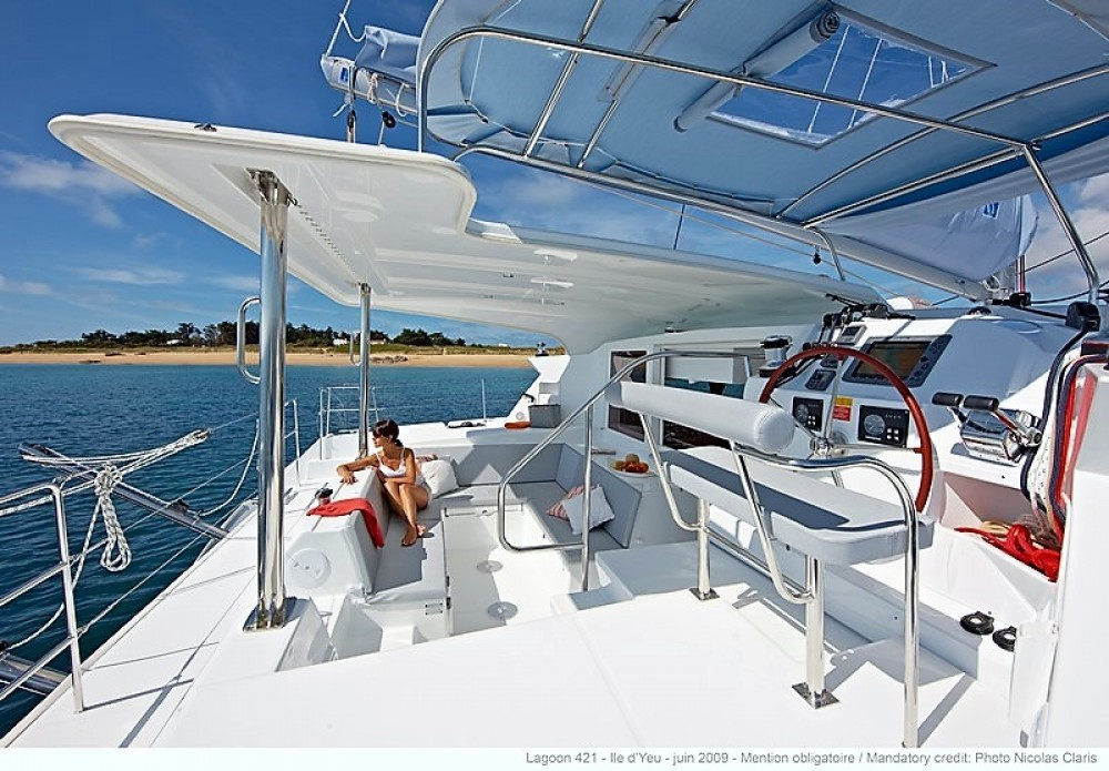 Location Catamaran à Παροικιά - Lagoon Lagoon 421