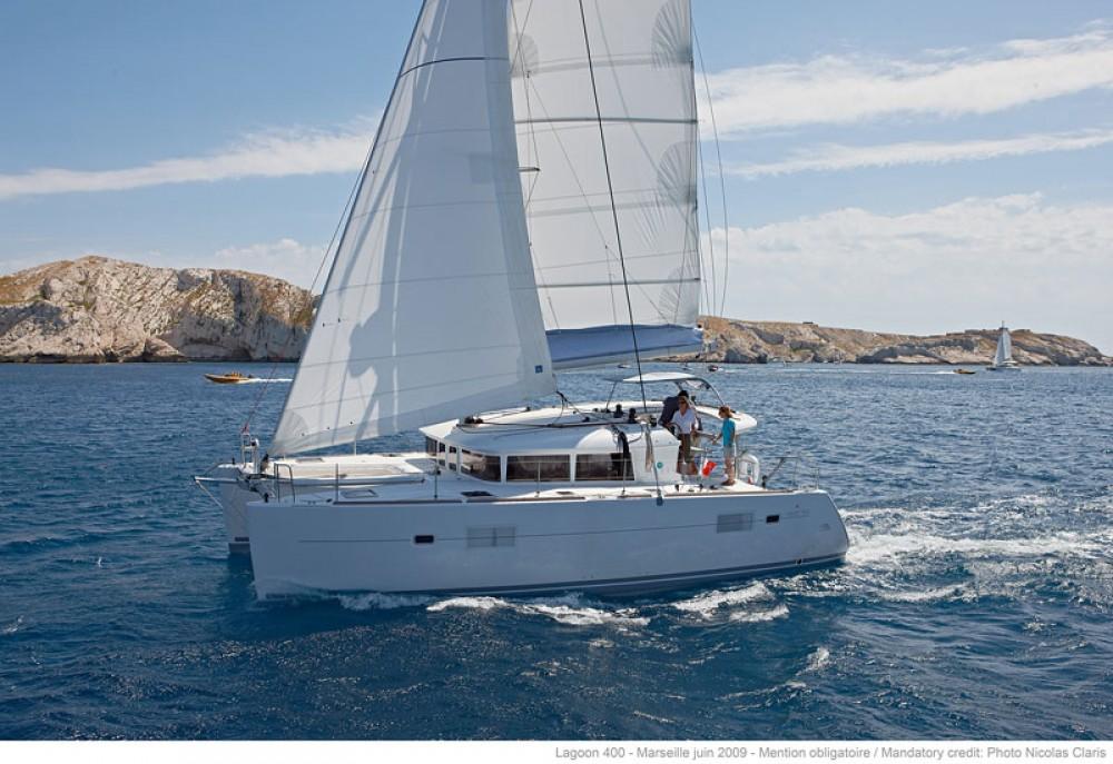 Location bateau South Abaco pas cher Lagoon 400 S2