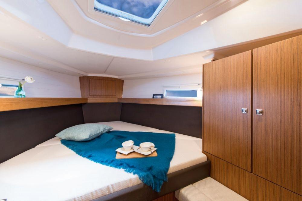 Bavaria Cruiser 37 entre particuliers et professionnel à Marina Punat