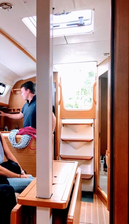 Jeanneau Sun Odyssey 30i entre particuliers et professionnel à Locmiquélic