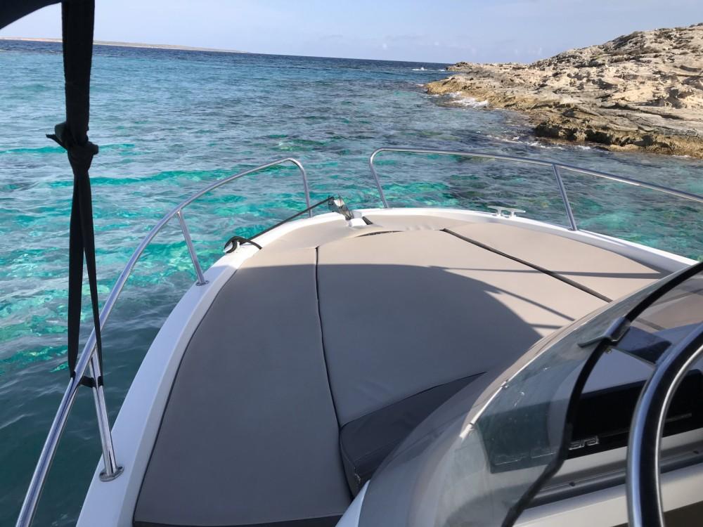 Alquiler de yate Marina Botafoch - Jeanneau Cap Camarat 6.5 WA en SamBoat