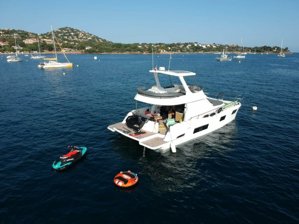 Noleggiare un'Flash Catamarans Flash Cat 43 Special Edition Cogolin