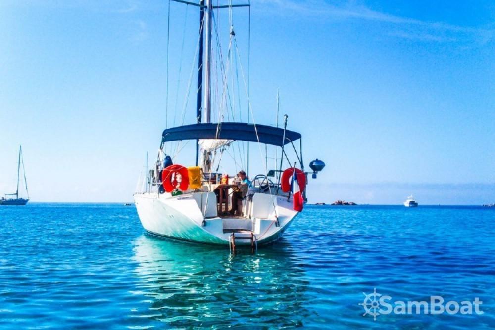 Rental yacht Ajaccio - Atlantic Atlantic 49 on SamBoat