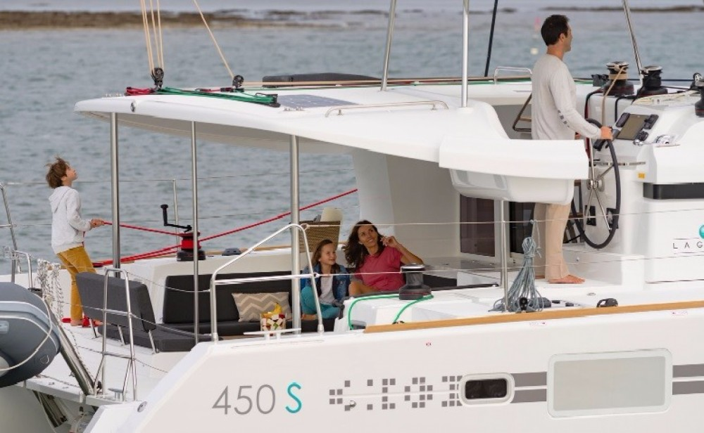 Rental Catamaran in Greece - Lagoon Lagoon 450