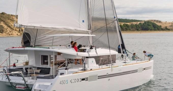 Boat rental Parikia cheap Lagoon 450