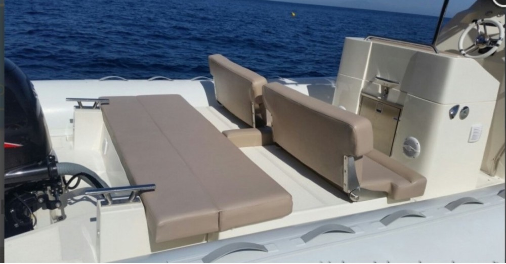 Rubberboot te huur in Salerno voor de beste prijs