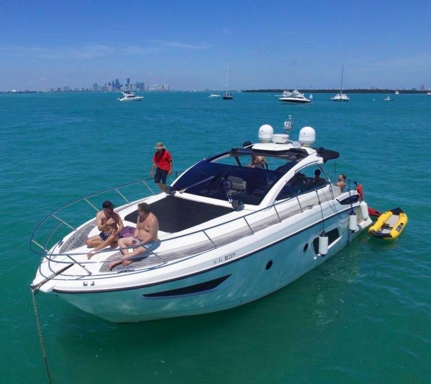 Location bateau Azimut Atlantis 44 à Miami sur Samboat