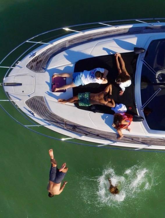 Louez un Azimut Atlantis 44 à Miami