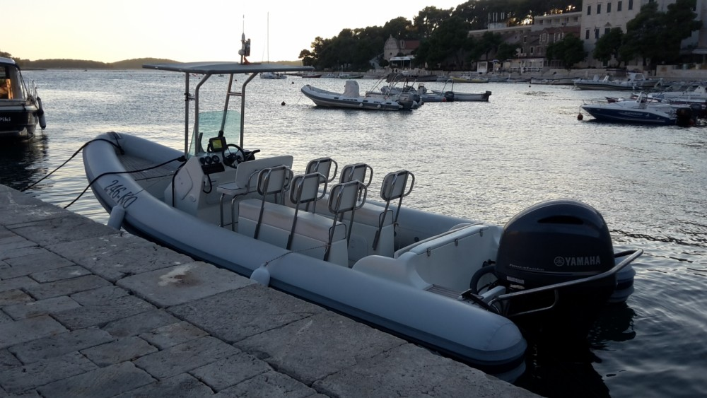 Ein kanula lolivul mieten in Split