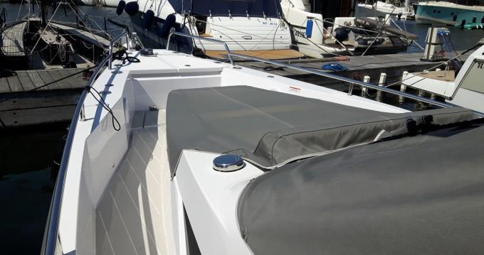 Axopar 37 ST entre particuliers et professionnel à Port Grimaud