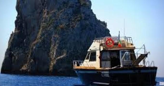 Louer Bateau à moteur avec ou sans skipper Posillipo à Gallipoli