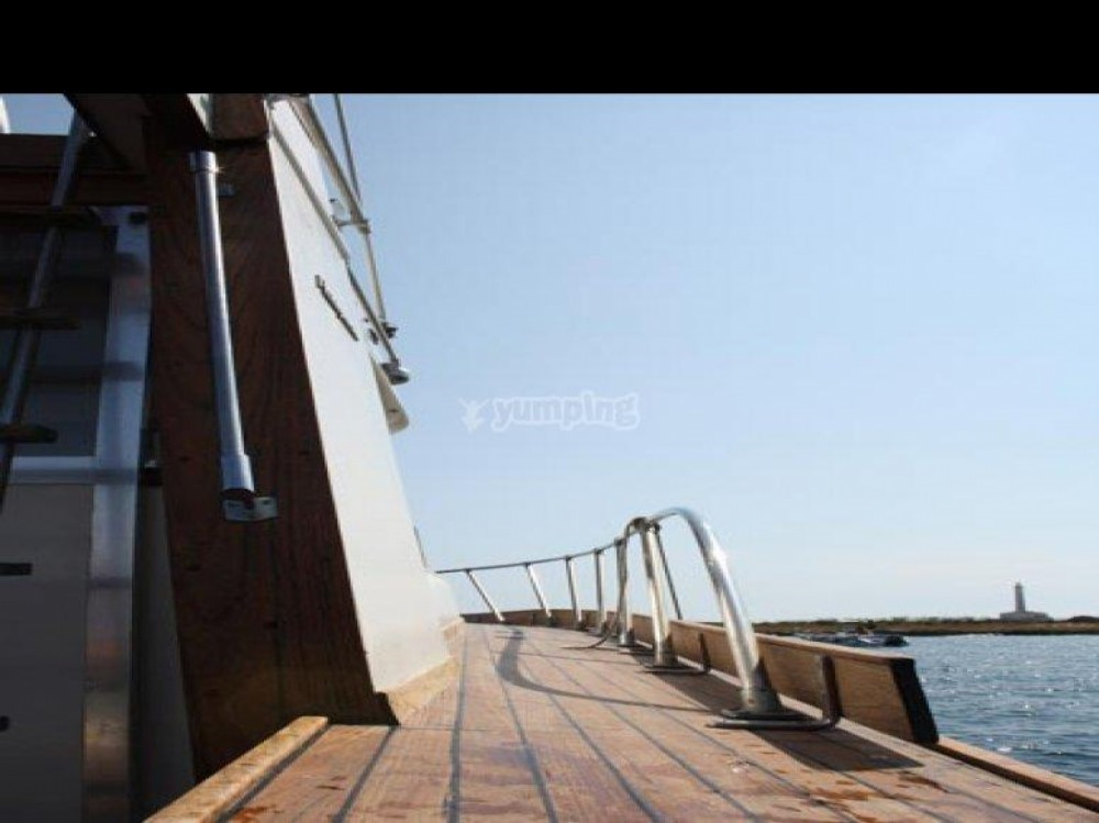 Location bateau Uttar Pradesh pas cher ANTIGUA 38 FLY