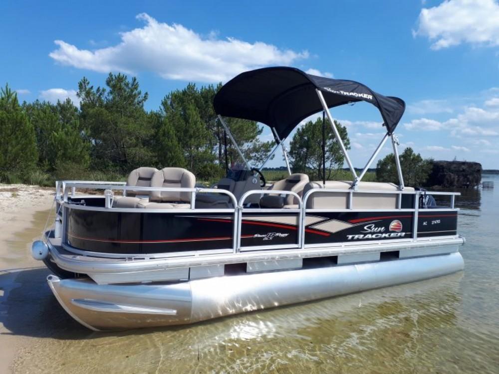 Sun Tracker Bass Buggy 18 entre particuliers et professionnel à Sanguinet
