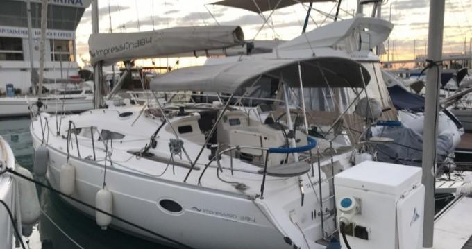 Barca a vela a noleggio Marina Baie des Anges al miglior prezzo