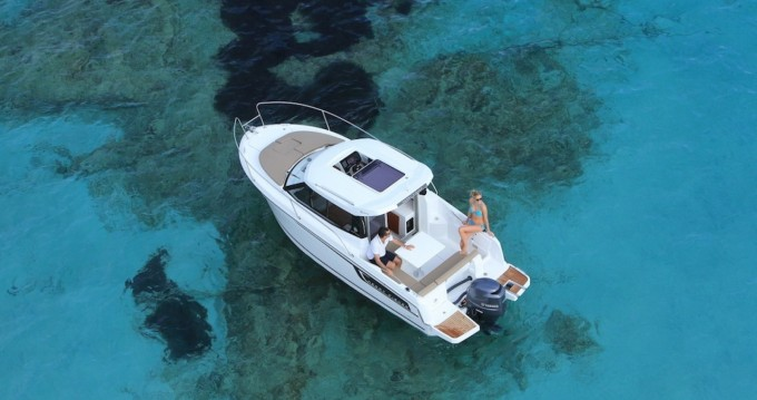 Noleggio Barca a motore con o senza skipper Jeanneau Spalato