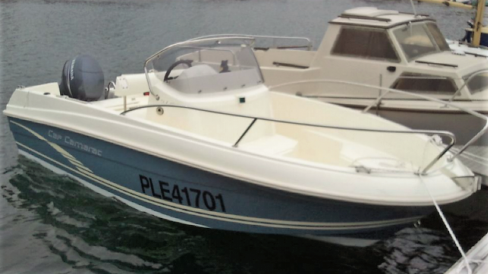 Boat rental Jeanneau Cap Camarat 5.1 CC Style in Perros-Guirec on Samboat