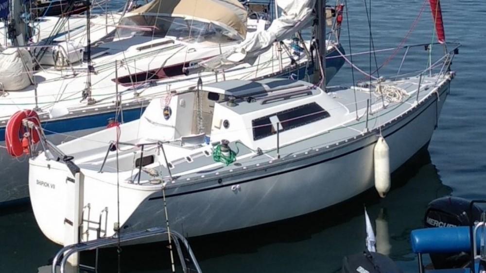 Location bateau Jeanneau Fantasia 27 à Lorient sur Samboat