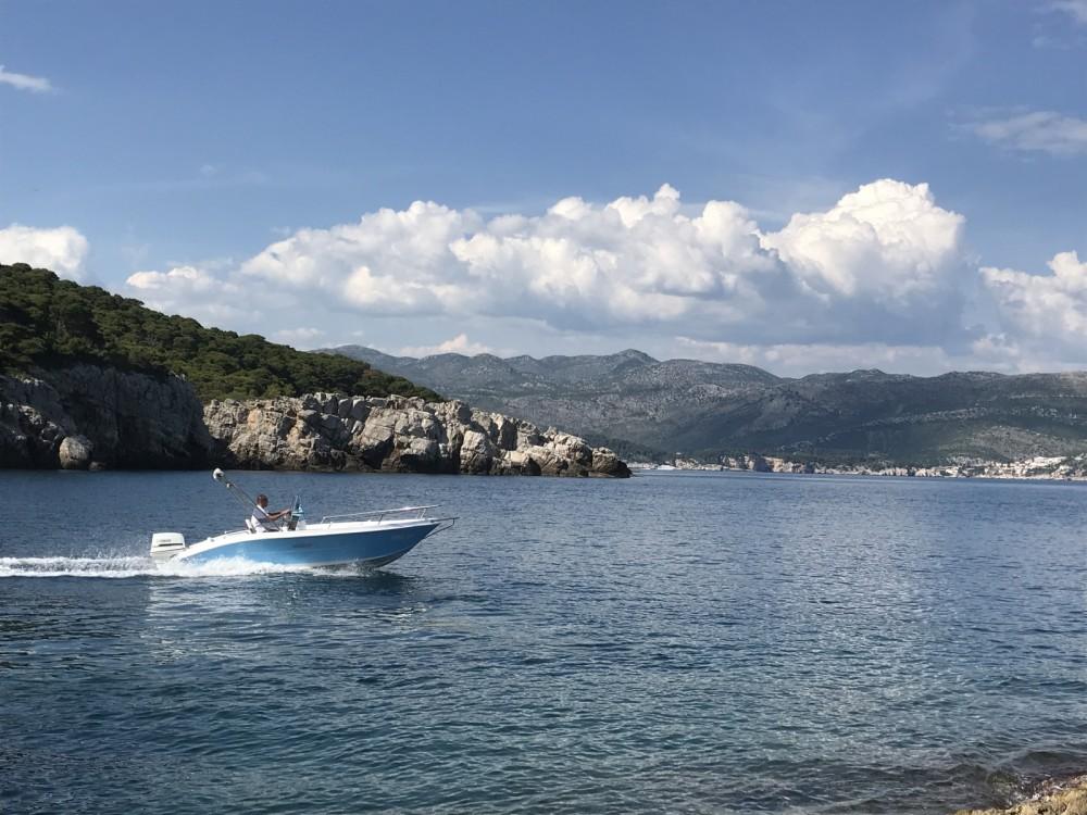 Barca a motore a noleggio Ragusa al miglior prezzo