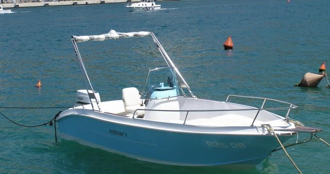 Noleggio Barca a motore con o senza skipper Elan Ragusa