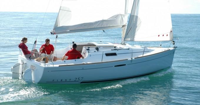 Location bateau Port-Haliguen pas cher First 25.7