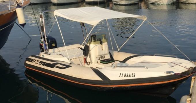 Louer Bateau à moteur avec ou sans skipper Zar Formenti à Hyères