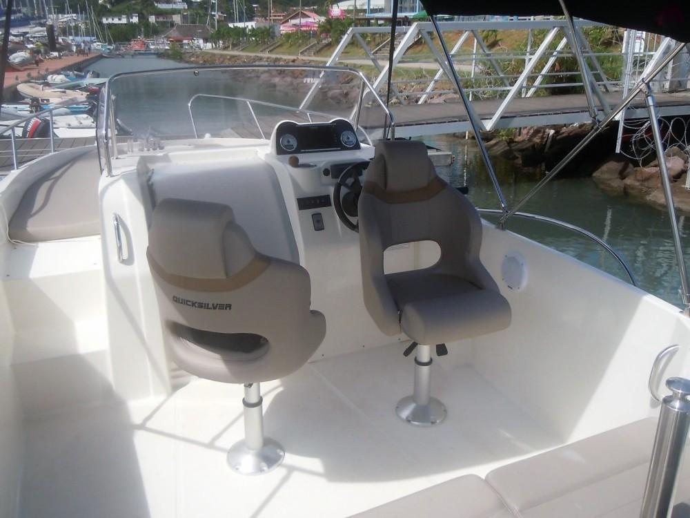 Location Bateau à moteur à Le Marin - Quicksilver Activ 675 Sundeck