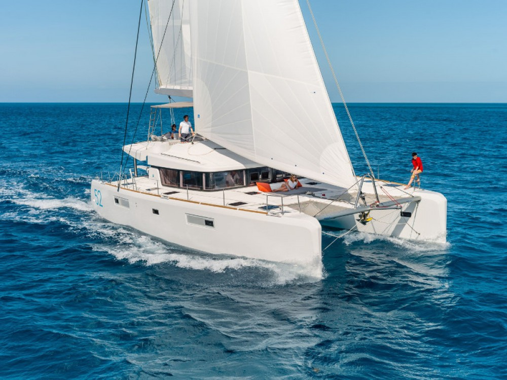 Hire Catamaran with or without skipper Lagoon Marina Baotić
