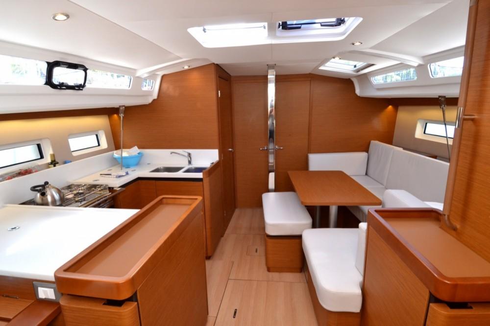 Rental Sailboat in ACI Marina Dubrovnik - Jeanneau Sun Odyssey 440