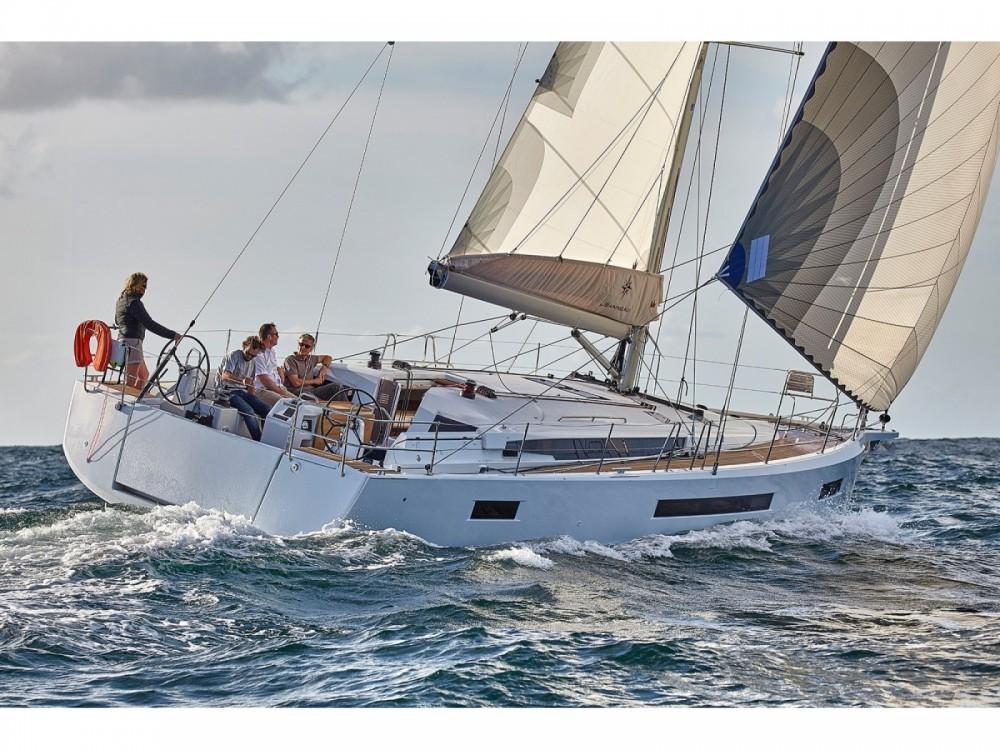 Location bateau Jeanneau Sun Odyssey 490 à Leucade sur Samboat