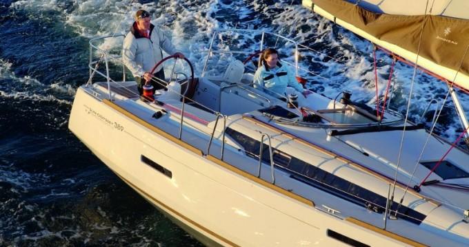 Location bateau Rhodes pas cher Sun Odyssey 389