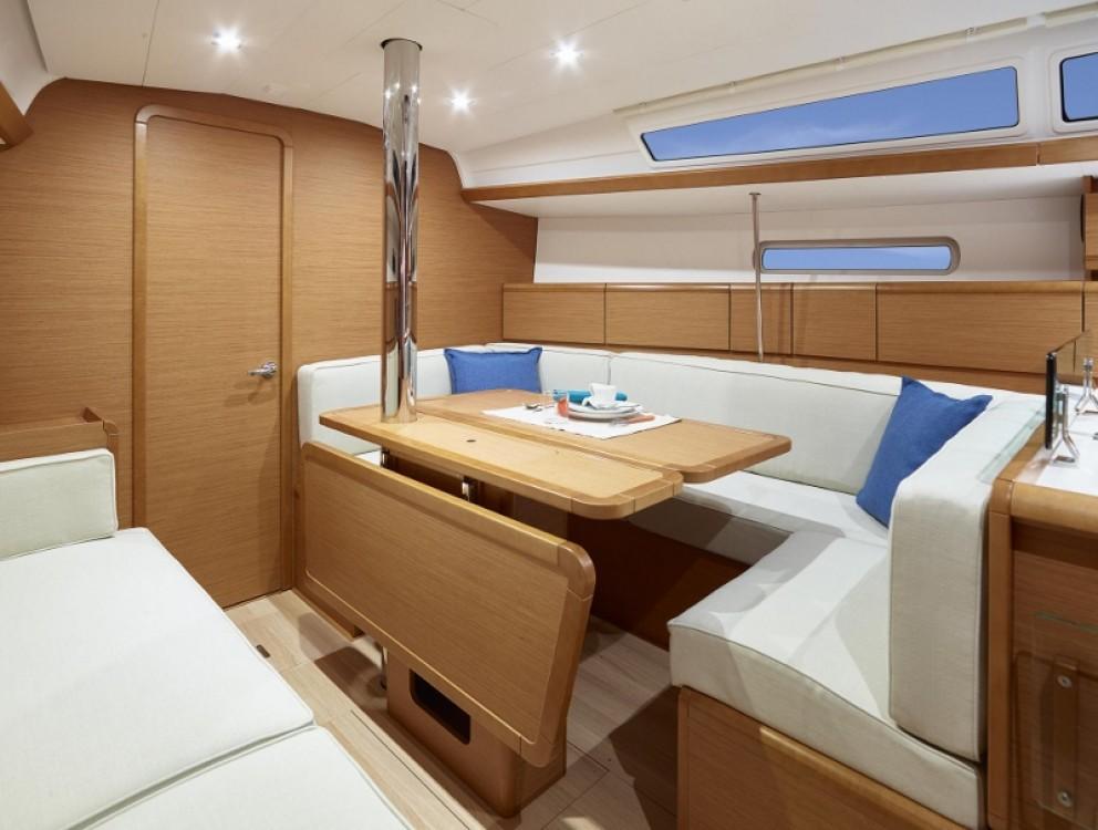 Verhuur Zeilboot in Rhodos - Jeanneau Sun Odyssey 389