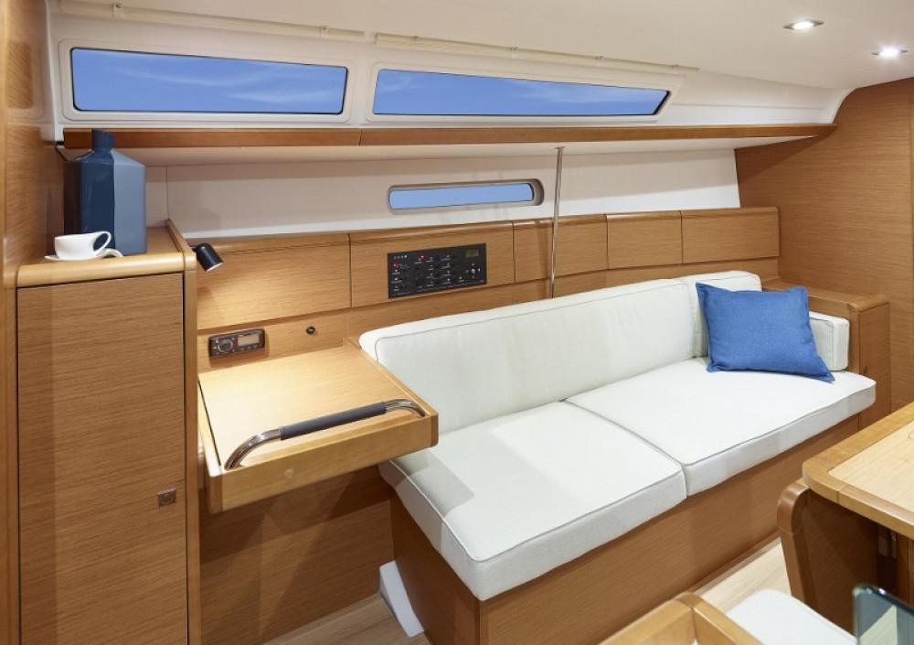 Jachthuur in Rhodos - Jeanneau Sun Odyssey 389 via SamBoat