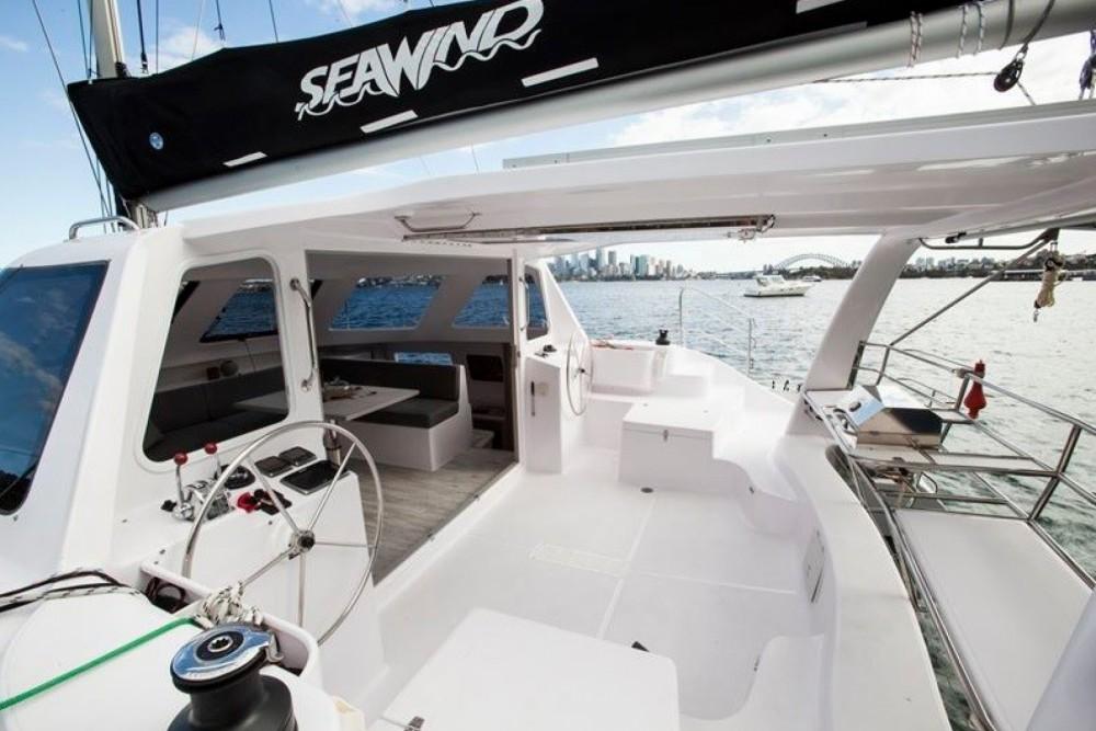 Huur Catamaran met of zonder schipper Seawind in Airlie Beach