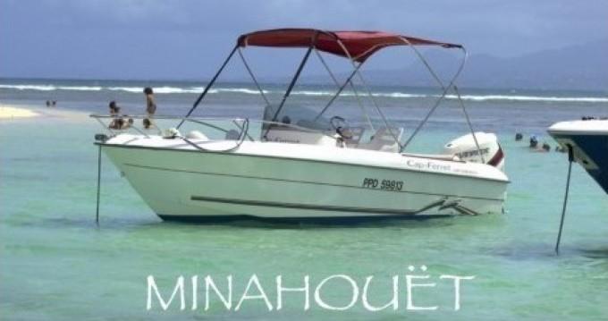 B2 Marine Cap Ferret 550 Sun Deck entre particuliers et professionnel à Pointe-à-Pitre