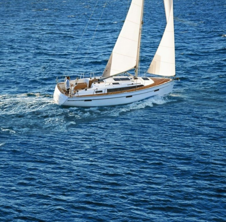 Bavaria Bavaria Cruiser 37 - 3 cab. between personal and professional Croatia