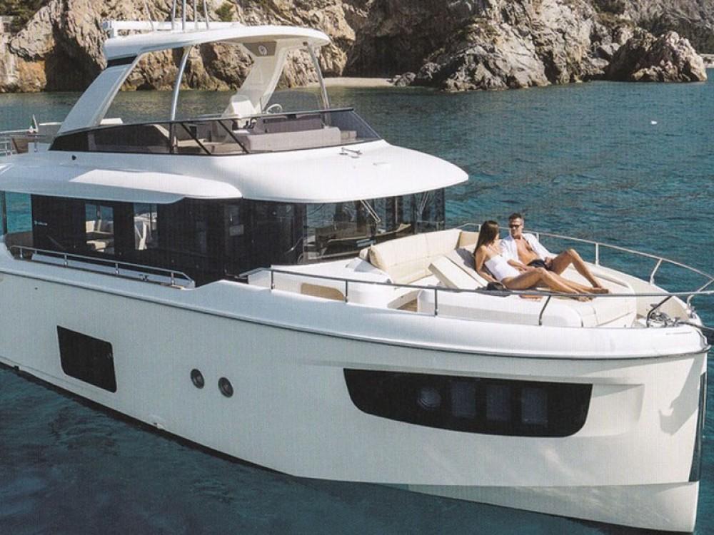 Boat rental Absolute Navetta 52  in Šibenik on Samboat