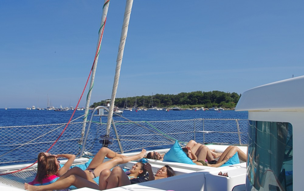 Hire Catamaran with or without skipper Lagoon Cannes