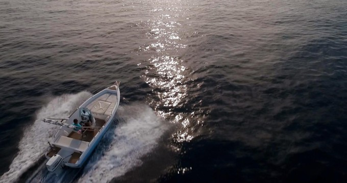 Noleggio barche Ragusa economico Elan 18 CC