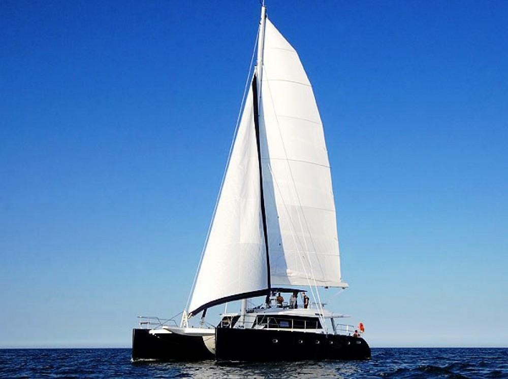 Location bateau Le Marin pas cher Sunreef 62