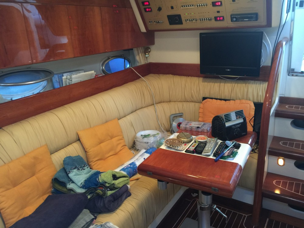 Boat rental Cranchi Mediterranee 41 in Palermo on Samboat