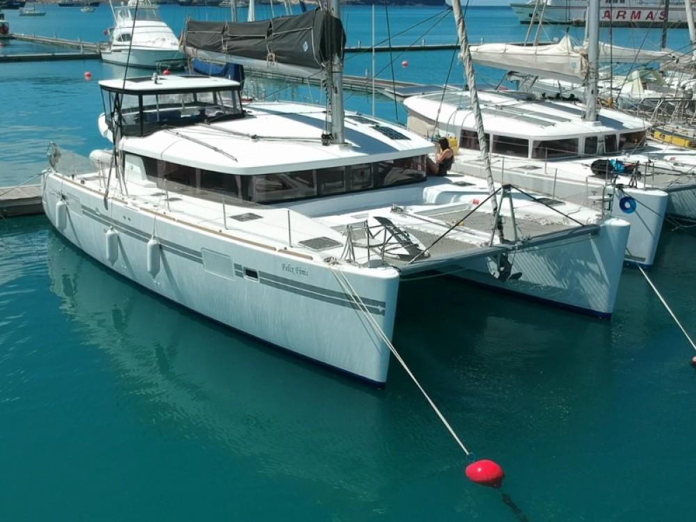 Catamaran à louer à Santa Maria au meilleur prix