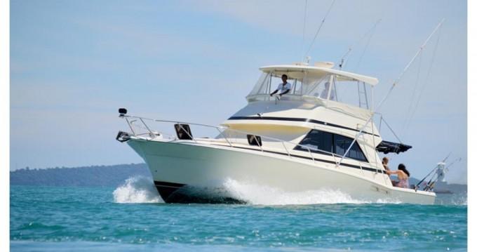Louer Bateau à moteur avec ou sans skipper Riviera à Phuket