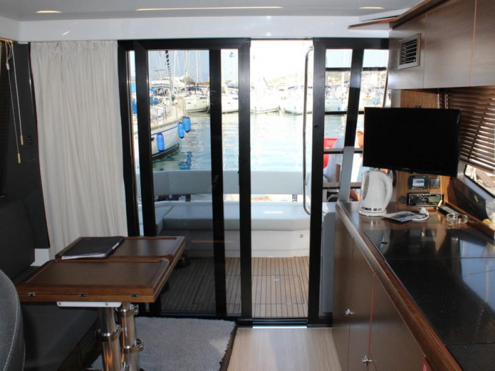 Rental yacht Marina Baotić - Bavaria Bavaria R40 FLY on SamBoat