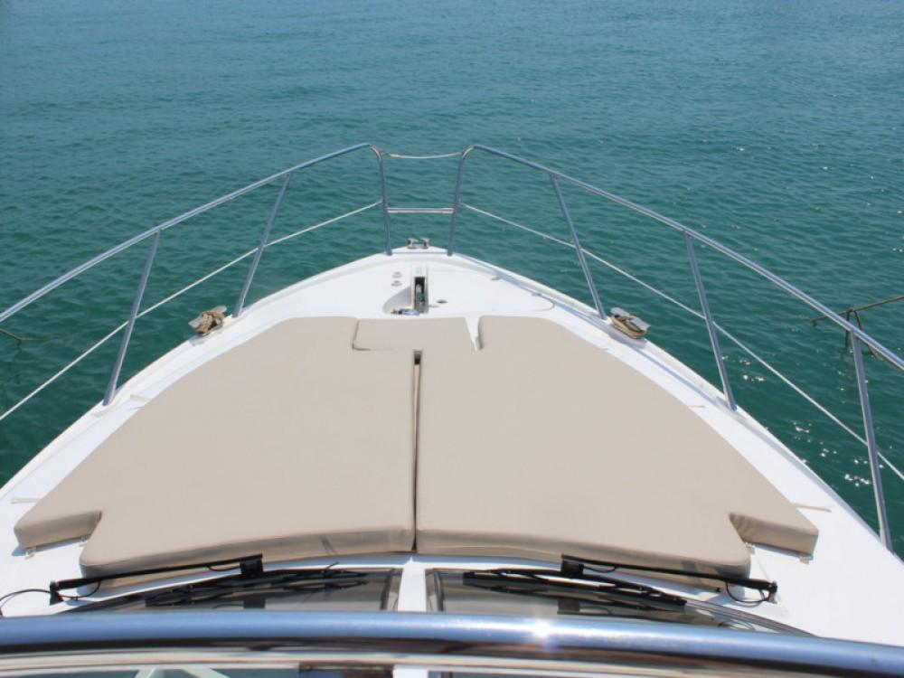Rental yacht Marina Baotić - Sealine Sealine F42-5 Fly on SamBoat