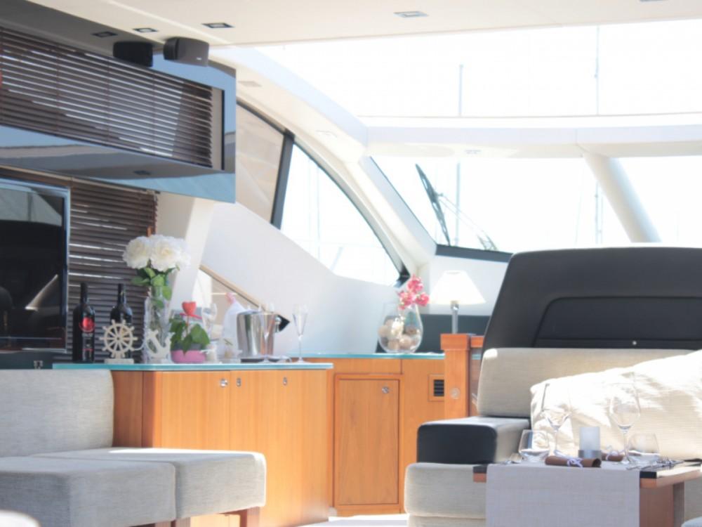 Rental yacht Seget Donji - Sunseeker Sunseeker Predator 64 on SamBoat
