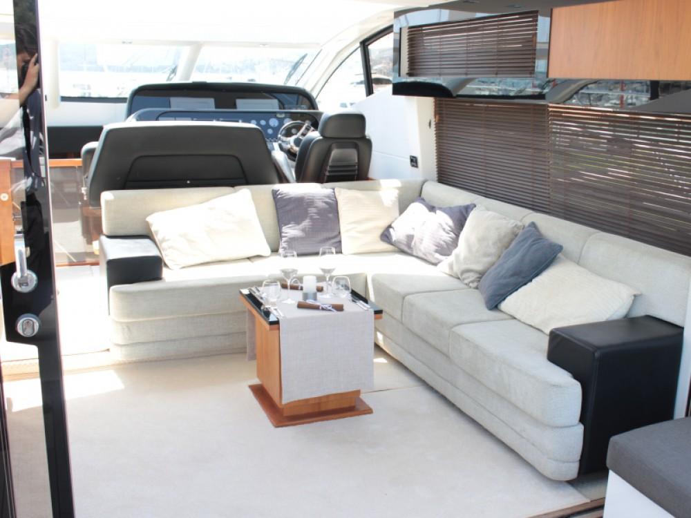 Boat rental Sunseeker Sunseeker Predator 64 in Seget Donji on Samboat