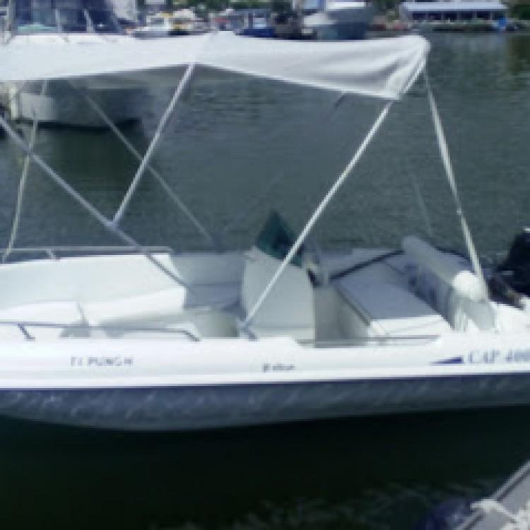 Rental Motor boat Rigiflex with a permit